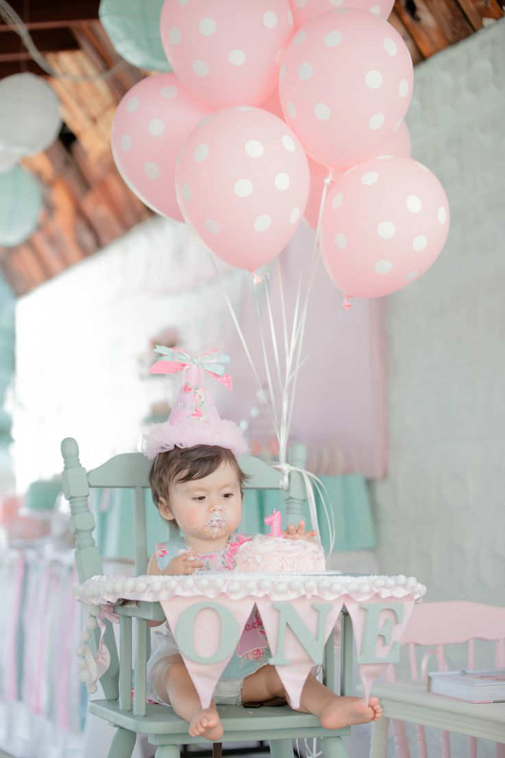 10 1st birthday party ideas for girls part 2 tinyme blog for Baby birthday decoration photos