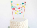 Cutest garland cake topper that will melt your heart | 10 Adorable Cake Toppers Part 3 - Tinyme Blog