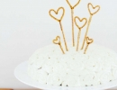 DIY Sparkly Heart cake topper | 10 Adorable Cake Toppers - Tinyme Blog