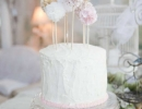 Sweetest pompom cake toppers | 10 Birthday Cake Toppers - Tinyme Blog