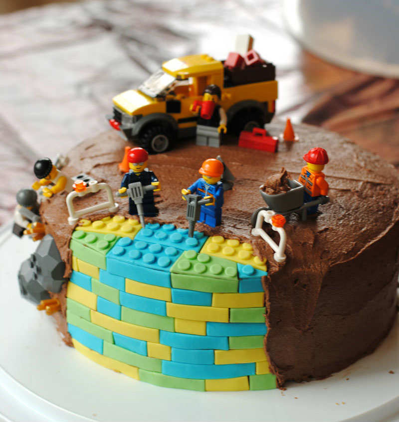 10 Brilliant Boys Cakes Tinyme Blog
