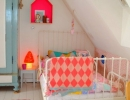 Vintage and pastels pair perfectly with pops of super modern neon | 10 Brilliantly Bright Neon Kids Rooms - Tinyme Blog
