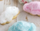 Cookies cotton cloud are great for serving at any birthday parties! | 10 Colourful Cotton Candy Treats - Tinyme Blog