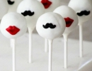Moustaches and kisses | 10 Creative Cake Pops - Tinyme Blog
