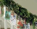 Lovely card garland display | 10 Cute Christmas Garlands - Tinyme Blog