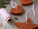 Wonderful homemade cinnamon holiday tree decorations | 10 Cute Christmas Ornaments - Tinyme Blog
