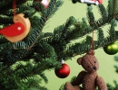 Brighten up the Christmas tree by hanging toy ornaments | 10 Cute & Festive Christmas Crafts Part 2 - Tinyme Blog