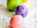 Homemade bouncy balls! | 10 Kids Summer Activities + Crafts - Tinyme Blog