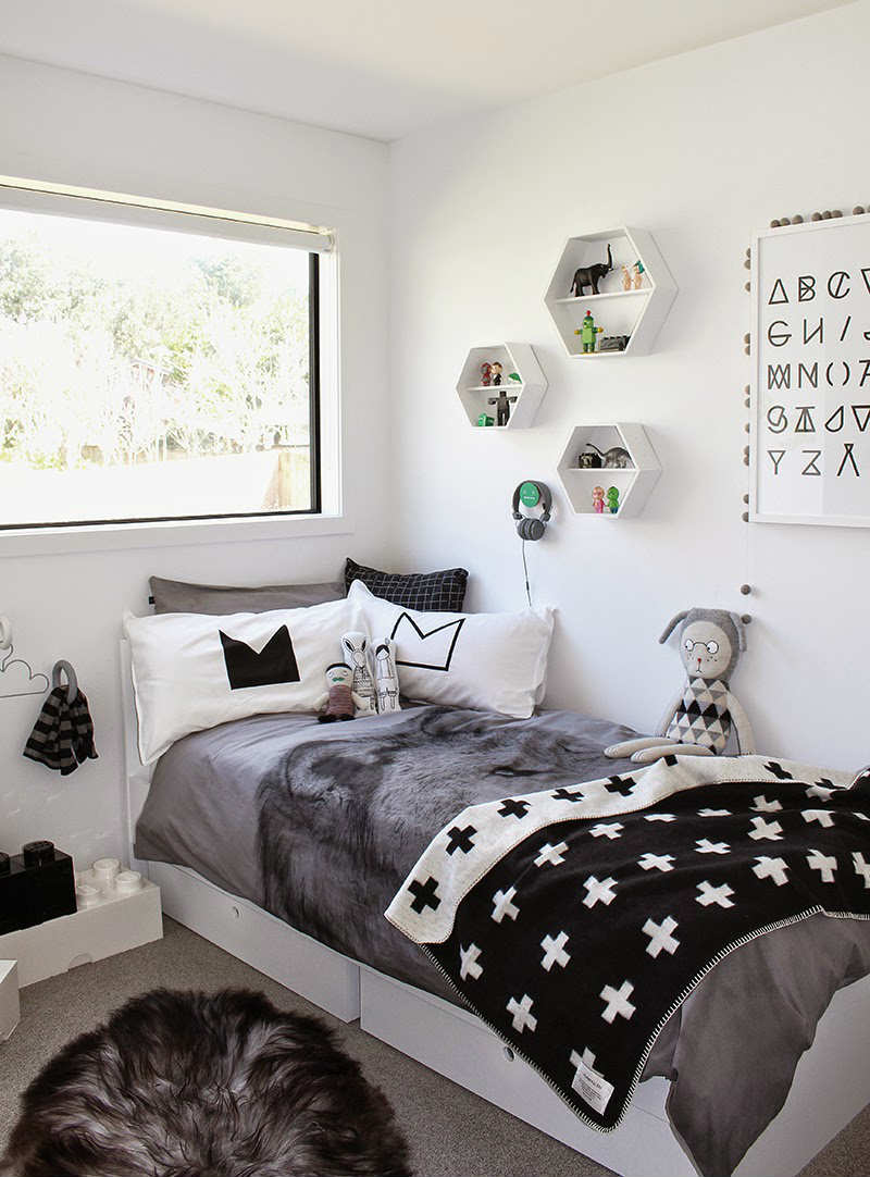 10 monochrome kids rooms tinyme blog - Mur de photos noir et blanc ...