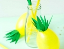 Make your summer more tropical with pineapple balloons and straws | 10 Playful Pineapple DIY's - Tinyme Blog
