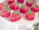 Super sweet strawberry macarons | 10 Scrumptious Macarons - Tinyme Blog