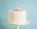 Surprise-inside cake with a rainbow heart | 10 Simply Sweet Cakes - Tinyme Blog