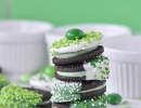 Delectable Chocolate Dipped Oreos | 10 St. Patricks Day Lucky Food Ideas - Tinyme Blog
