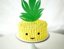 Easy pineapple head cake with a cream cheese frosting | 10 Sweet Summery Cakes - Tinyme Blog