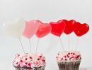 Celebrate the day of friendship and love with DIY heart lollipops | 10 Valentines Day Crafts - Tinyme Blog