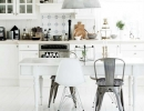 Crisp and Chic kitchen | - Tinyme Blog