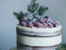 Absolutely divine soft gingerbread cake | 10 Wintery Christmas Cakes - Tinyme Blog