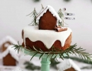 Lovely gingerbread cake | 10 Wintery Christmas Cakes - Tinyme Blog